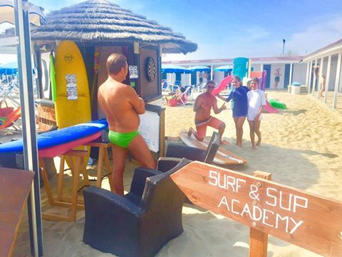 SURF & SUP ACADEMY